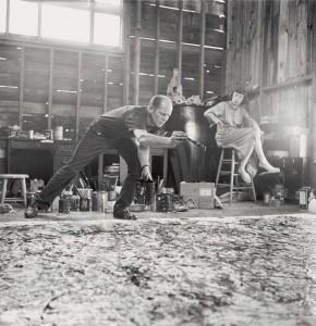 Jackson Pollock bei der Arbeit an One: Number 31, 1950, mit Lee Krasner im Hintergrund