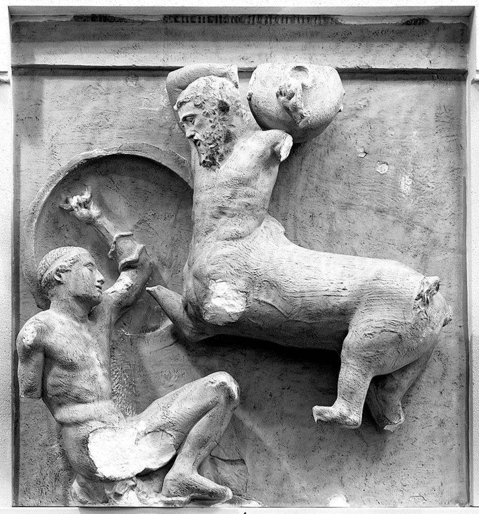 Kampf zwischen Griechen und Kentauren, Metope von der Südseite des Parthenon auf der Akropolis in Athen; 447–442 v. Chr.; Abguss Skulpturhalle Basel