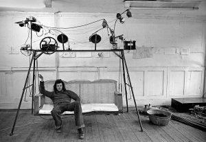 Stephen Cripps auf Garden Swing, Artists for Democracy, Fitzrovia Cultural Centre, London, 1976